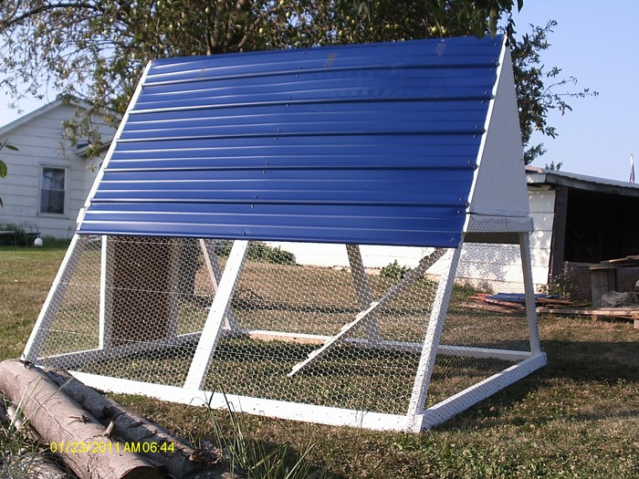 Learning k portable chicken coop on wheels guide for Portable coop