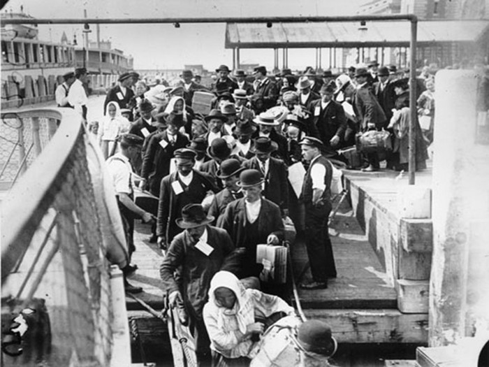 Comparing Ren's story to the Gilded Age immigration