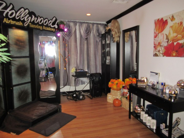 Get your spray tan for halloween for 24 tanning salon