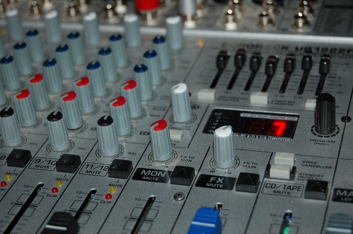 Karaoke house music smore newsletters for Instrumental house music