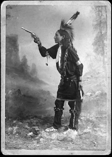 the kickapoo indians The kickapoo people (kickapoo: kiikaapoa or kiikaapoi) are an algonquian-speaking native american and indigenous mexican tribe anishinaabeg say the name kickapoo (giiwigaabaw in the anishinaabe language and its kickapoo cognate kiwikapawa) means stands here and there, which may have referred to the tribe's migratory patterns.