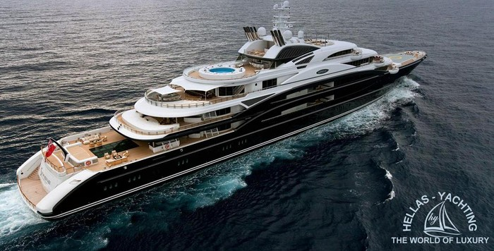 This is our yacht  it has 10 bedrooms , 8 toiltes , 2 pools , 3 living rooms and 1 kitchen 20% of discount