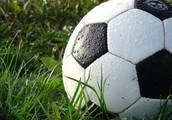 I like to play soccer.