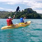 el kayac en el oceano