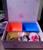 Hair accessories box.