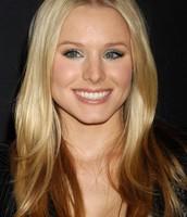 Chloe (Kristen Bell)