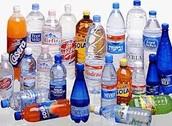 Sala de 3 Años ¿Qué hacemos con las botellas de plástico después del desayuno o la merienda?