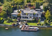 Where Bill Gates currently lives