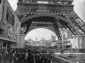 Protesters of the Eiffel Tower