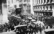 Crowd outside on Wall Street