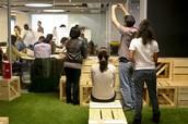 Emprendedores e inversores compartiendo sus experiencias