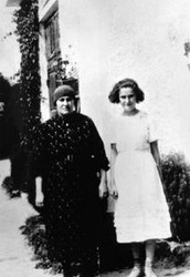 Eva Galler and her mother