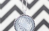 PREDESIGNED Elegance Locket