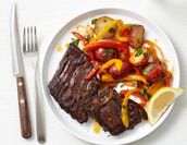 T-bone steak with grilled peppers/Chuletón con pimientos asados