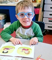 Using Magic Reading Glasses to help us decode unknown Words!