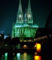 Dann um 12:00 Uhr haben wir eine Führung durch die Kölner Dom
