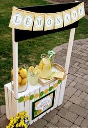 Lip smackin lemonade