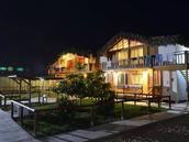 Casa de Dos Pisos - Vista Nocturna