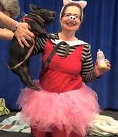 Dr. LeBlanc kisses a pig!
