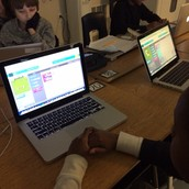 5th Graders coding Minecraft