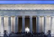 Lincoln Memorial and Jefferson Memorial, the Washington Monument, Iowa Jima Memorial, and The World war Two Memorial