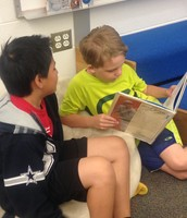 Quin reads to Horeb!