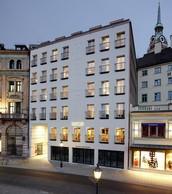 Louis Hôtel
