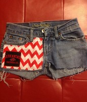 Pantalones cortos blancos y rojos por perfecto madison