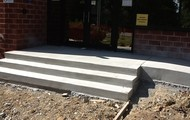 Entrance Stairs/Ramp