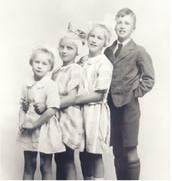 Roald Dahl and his siblings