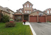Beautiful 2-Story Detached Home in Vaughan