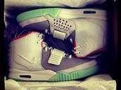 Nike Yeezy 2 platinum