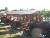 E-5 & KDG Field Trip October 25th to Spicer's Orchard