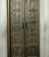 Door of Apostles 1437-1443