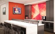 Cafe & Breakout Area