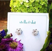 BESTSELLING Sparkle Studs