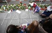 Homenaje para fallecidos en Paris