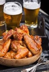 Cuando tengo mucho hambre nosotros gustan la pollo alas. Cuando tengo muchas sed nosotros gustan manzana sidra.