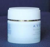 La AEMPS ordena la retirada del mercado de cosméticos con hidroquinona