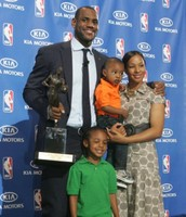 LeBron with his family wining the MVP award