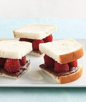 #10  NUTELLA AND RASPBERRY SANDWICHES