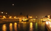 Short Visit to Paris? Top Ten Attractions to Visit.