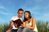 1. Marianela y Pablo son buenos amigos.  Nela es fea y Pablo es ciego- la amistad es perfecta!