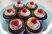7 cupcakes