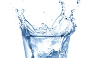 Debes beber aqua cada dia.
