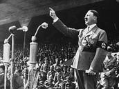 היטלר עולה לשלטון
