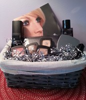 Cosmetic Gift Basket