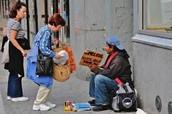 Ayudando los pobres