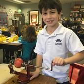 Making homemade applesauce for Hannukah!!
