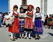 Portrugese clothing girls